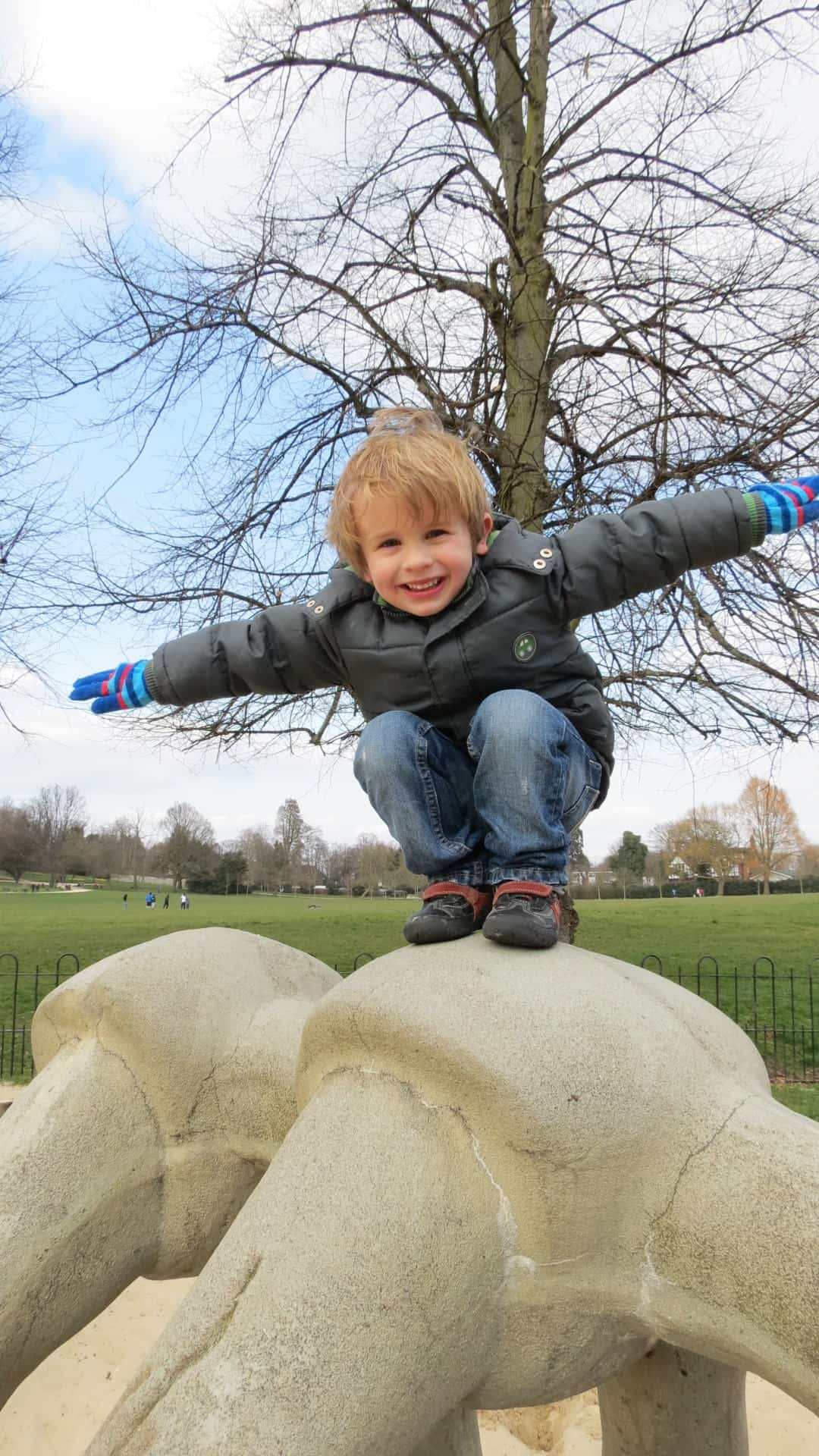 http://thimbleandtwig.com/lovely-adventures/dinosaurs-and-crystal-palace-park-1-things-to-do-in-south-east-london-with-kids/
