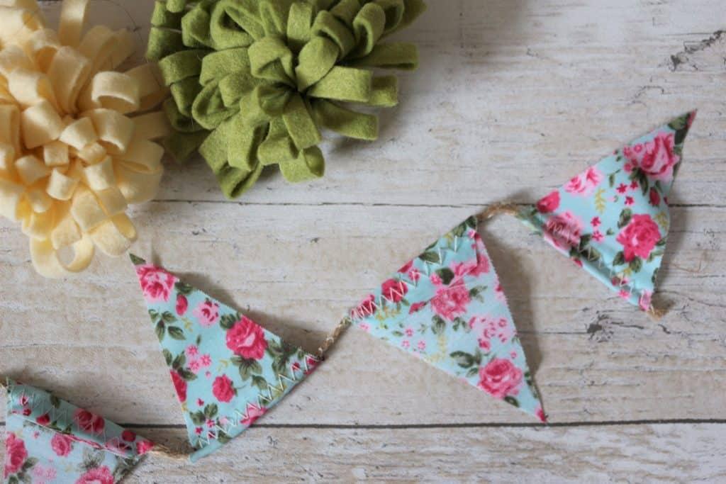 DIY Handmade Felt Flower Hessian Bags