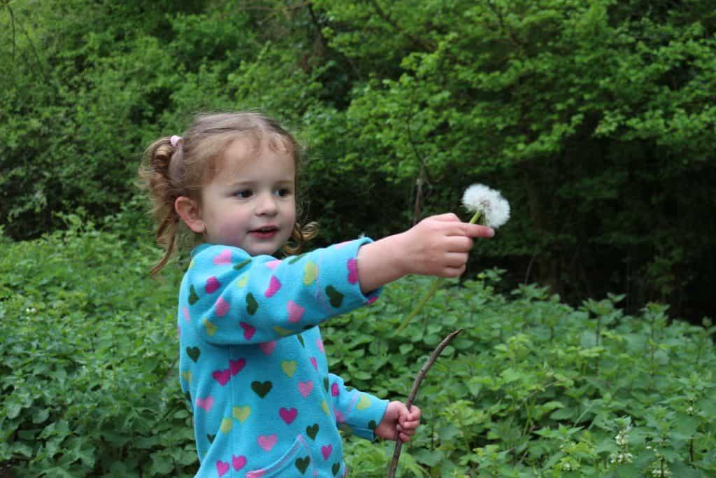 make a dandelion wishes keyring. Make a spring flower keyring